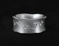 Spring-Flowers-Engraved-Wedding-Ring1