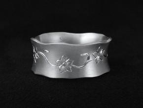 Spring-Flowers-Engraved-Wedding-Ring1