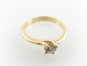 Classic engagement ring 2